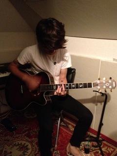 daikiguitar.JPG